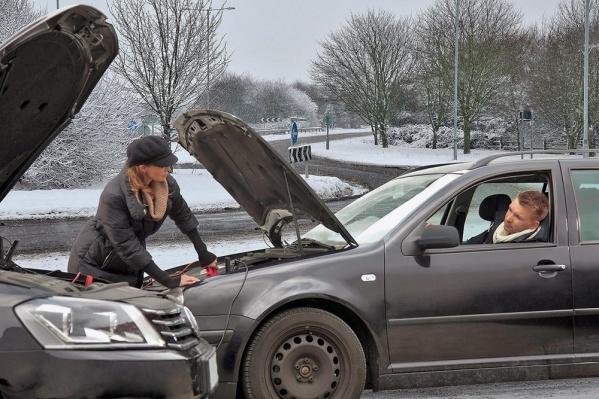 Россияне умеют не только ругаться на дорогах, но и помогать друг другу