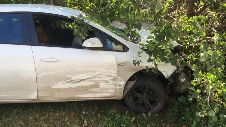 «Дала покататься»: после ДТП в салоне Opel очевидцы обнаружили одинокую пассажирку