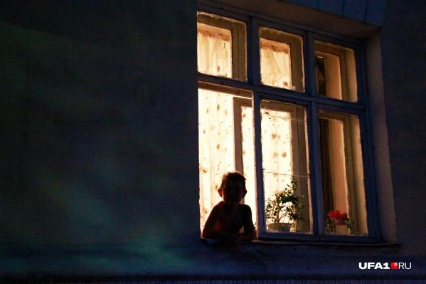 Как малышка оказалась в опасности, предстоит выяснить сотрудникам полиции