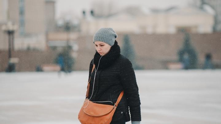 На Тюмень идет шквалистый ветер со снегом