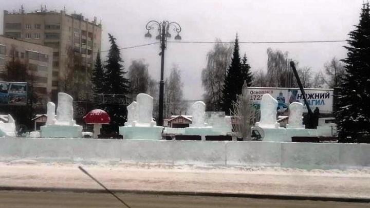 «Настолько суровы»: жители Нижнего Тагила назвали местный ледовый городок кладбищем