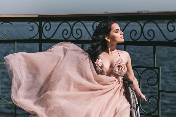 Анастасия самостоятельно отправилась на финал конкурса красоты в Новосибирск