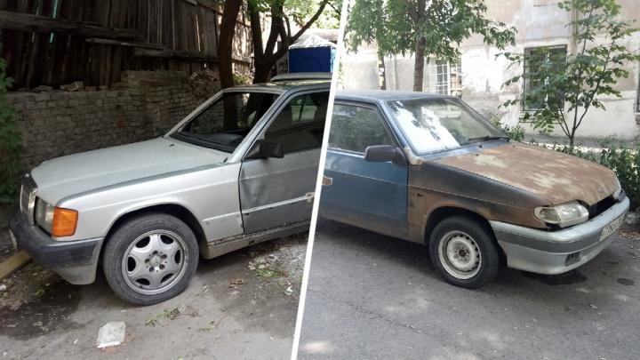 Брошенные автомобили эвакуируют с улиц Ростова