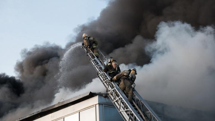В Самаре горело здание на Заводском шоссе