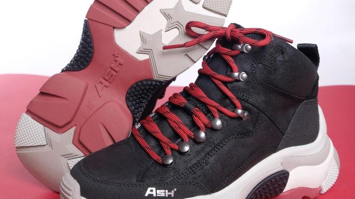 Как у Рианны: в Новосибирск привезли итальянские кроссовки, по которым сходят с ума звезды