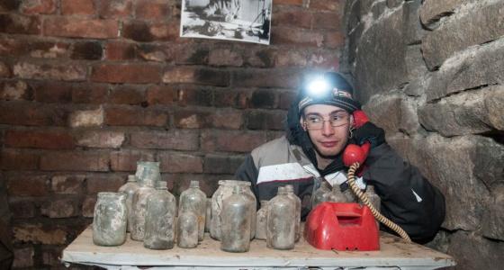Байки екатеринбургского диггера: изучаем подвалы Городка чекистов, где ходят вагонетки и лодки