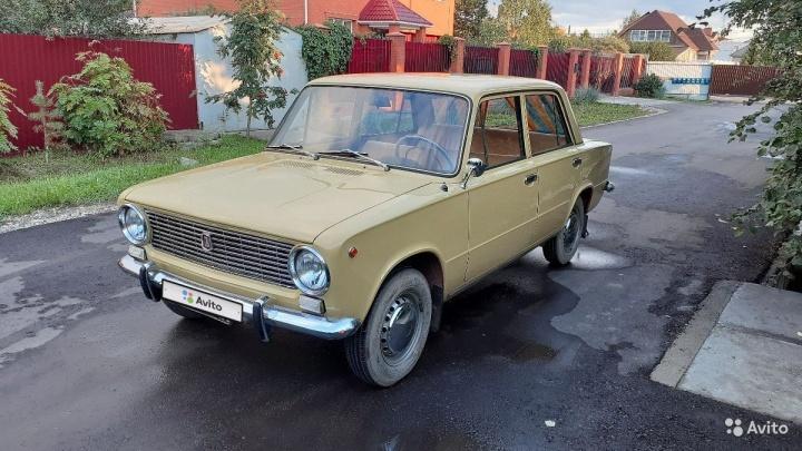 «Человек её берёг, а потом умер»: омич продает «копейку» 1974 года выпуска за семьсот тысяч рублей