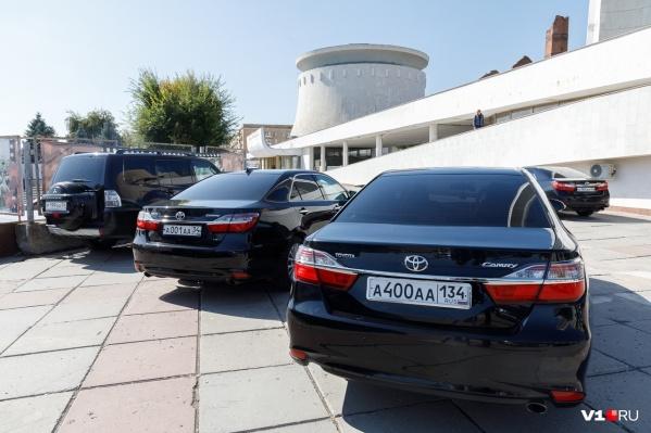 За пять новых иномарок готовы заплатить без малого 10 миллионов рублей