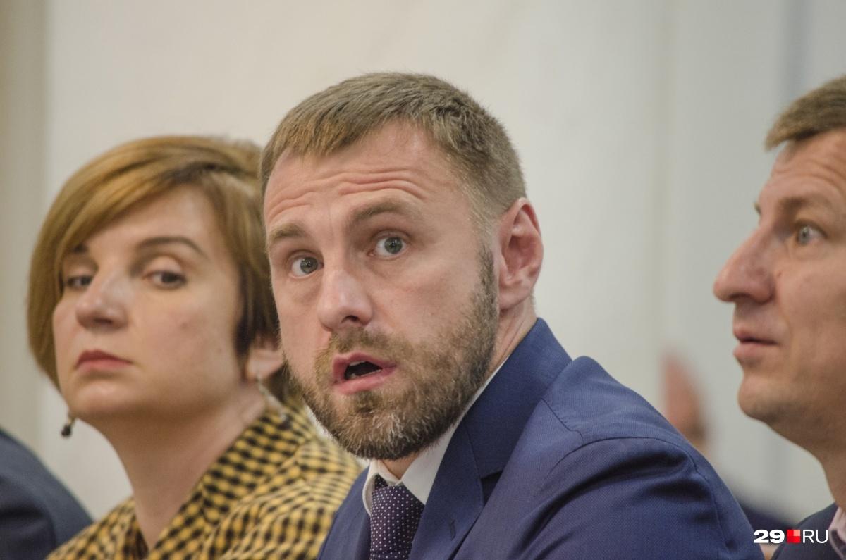 Архангельской области обещали неменее 10 млрд руб. заприем мусора из столицы