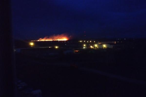 Пожар виден издалека