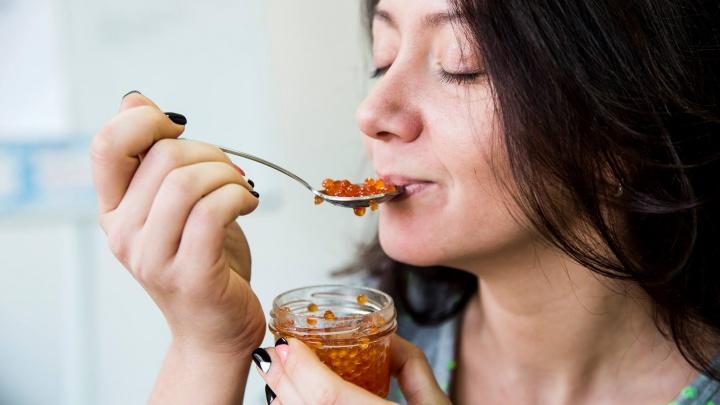 Ешьте без хлеба: шесть способов, как правильно выбрать икру