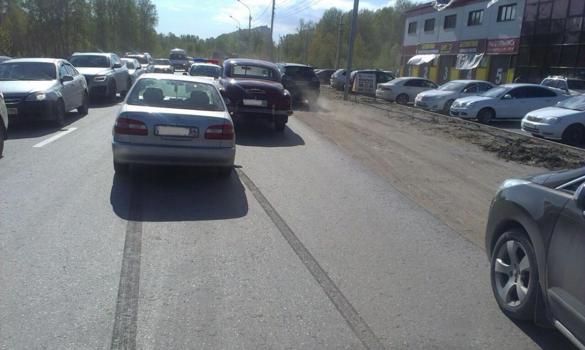 Нетрезвый новосибирец без страховки протаранил ретро-автомобиль