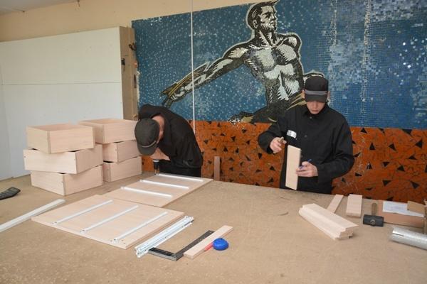 Курганские заключенные сделают мебель для больницы скорой медицинской помощи