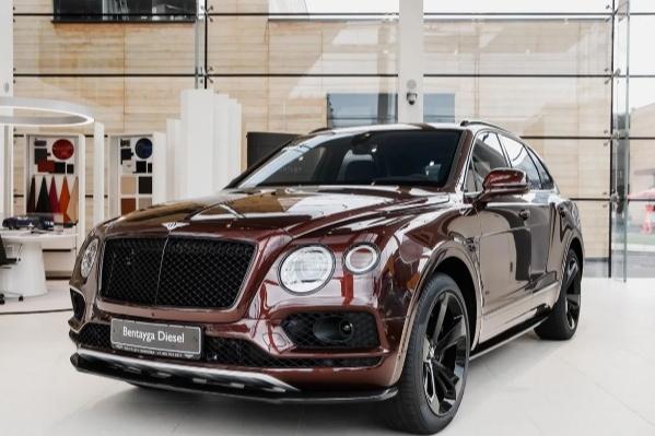 Bentley Bentayga считается одним из самых роскошных автомобилей в Омске