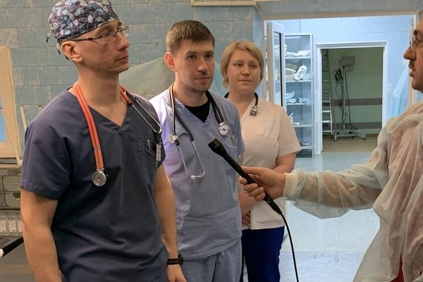 Железногорским хирургам пришлось удалить часть кишечника ребенку после аварии. Он ехал без детского кресла
