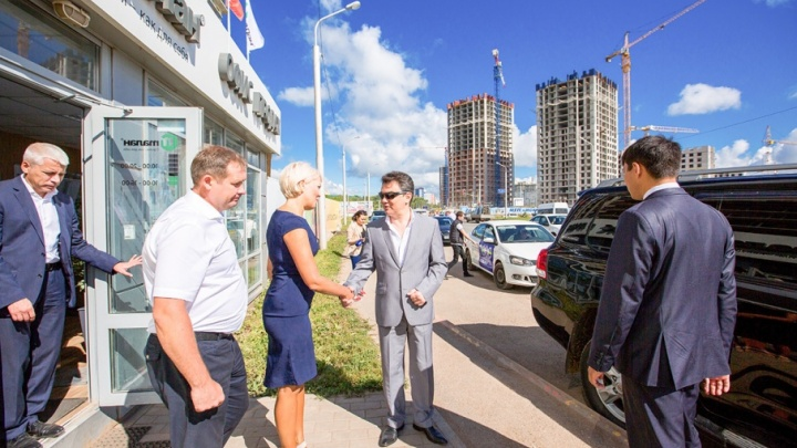 Мэр Уфы Ирек Ялалов посетил Квартал Энтузиастов