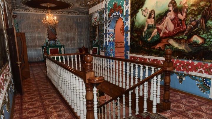 Настоящий дворец Махараджи: гуляем по дому в Екатеринбурге, который сдают в аренду за 100 тысяч