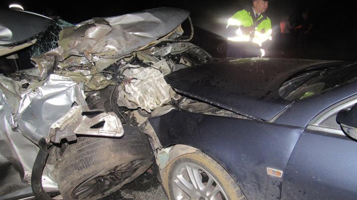 На трассе Уфа — Оренбург Mitsubishi Outlander залетел под КАМАЗ: есть погибшие