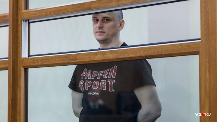 Он откровенно скучает: прокуратура Волгограда принесла доказательства по делу об убийстве Брудного