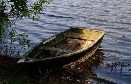Хозяин самодельной лодки случайно утопил двух приятелей