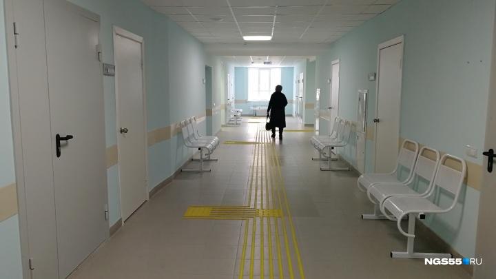 «Свободных талонов нет»: фотоэкскурсия по новой поликлинике на левом берегу