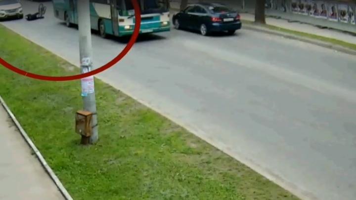 «С места происшествия скрылся»: в Перми автобус сбил 70-летнего велосипедиста
