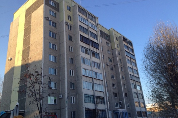 Отель разместили в обычной четырёхкомнатной квартире на улице Кыштымской