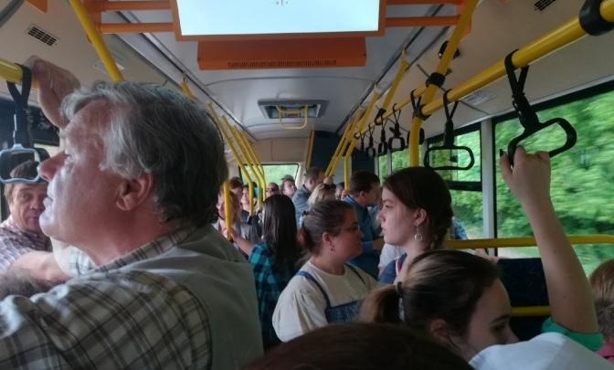«Не нравится — езди на такси» — это не аргумент. Колонка о кондиционерах в пермских автобусах