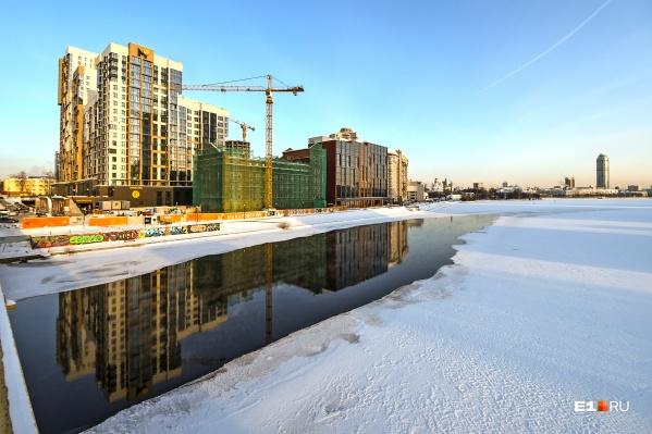 Для января пруд растаял достаточно сильно