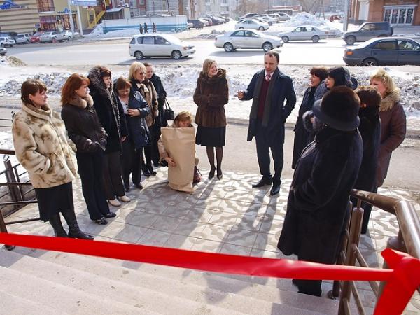 Директор Центрального Агентства Недвижимости Олег Харченко пожелал сотрудникам нового офиса успехов и процветания.