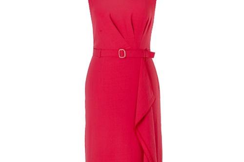 Красный традиционно считают цветом страсти, но он — скорее цвет любви, горячей и искренней. Стильное платье длиной до колена с широким асимметричным воланом и защипами расскажет о ваших чувствах! <price>3750руб.</price>