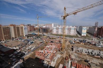 Молодежный: апрель 2011. Строительство на нулевом этапе.