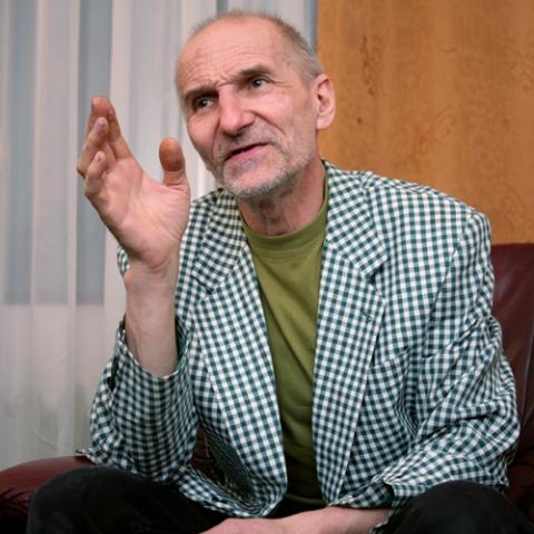Петр Мамонов: «Когда я начинаю петь, внук говорит: деда, не надо!»