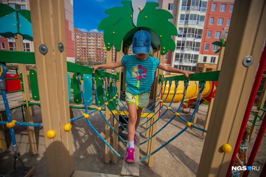 Площадка рассчитана как на малышей, так и на детей постарше, которые могут забираться повыше.