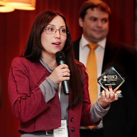 Генеральный директор ААН «Афина Паллада» Инна Аверьянова на церемонии вручения национальной премии «CREDO 2010»