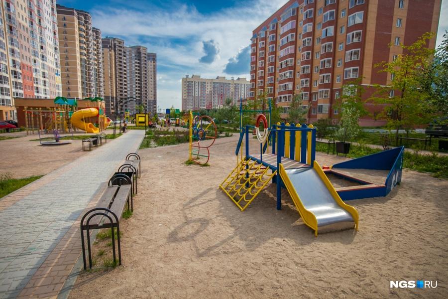 Владелец компании «Доктор Ключ» Андрей Силков говорит, что бюджет застройщиков на благоустройство дворов может колебаться от 5 до 30% в зависимости от проекта — в эконом-классе он ниже.