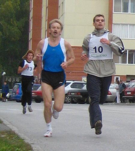 Мэр Кольцово пробежал вокруг наукограда (фото)