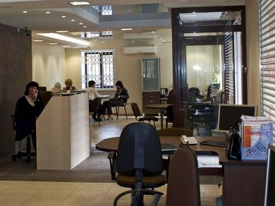 Просторный современный офис, опытные сотрудники - во всем угадывается ставка на высокий сервис.