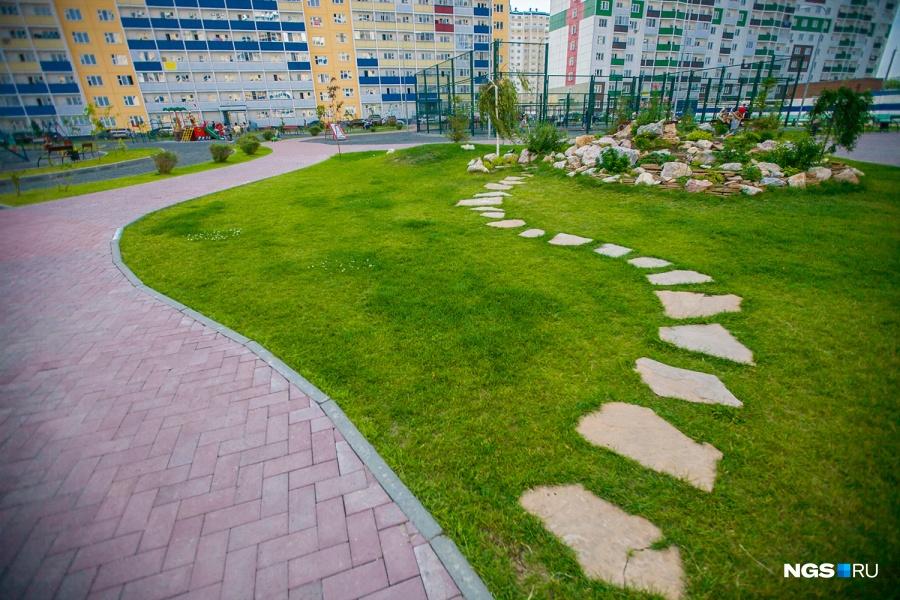 В прошлом году компания открыла в жилмассиве парк — с деревьями и ландшафтным дизайном.