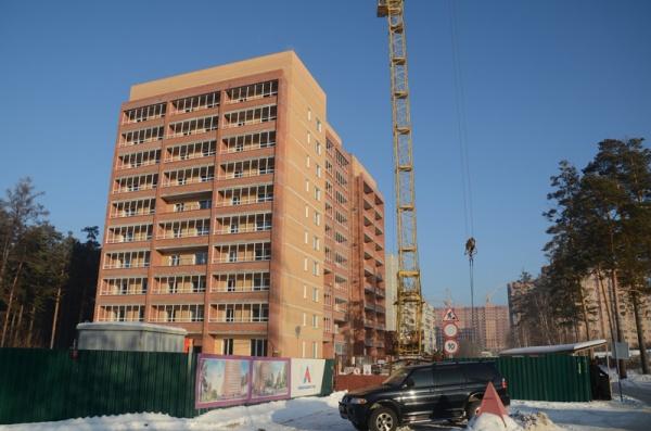 Две 10-этажные секции дома на Сиреневой 31  находятся в высокой степени готовности.