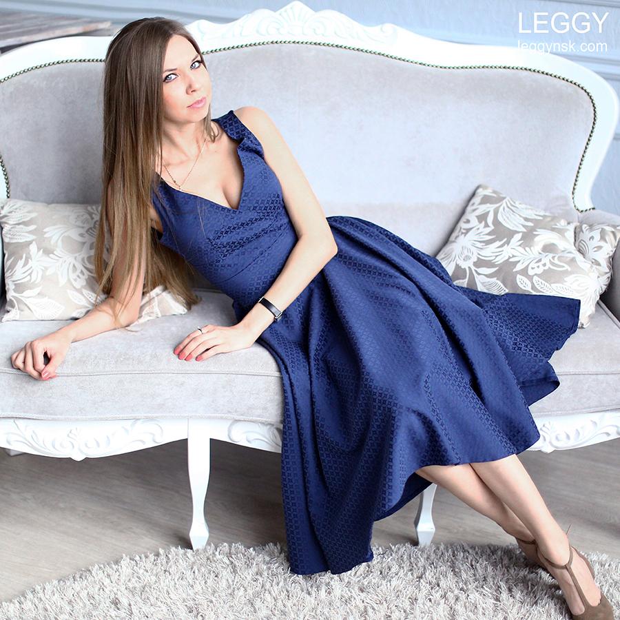 Воздушные платья до колена