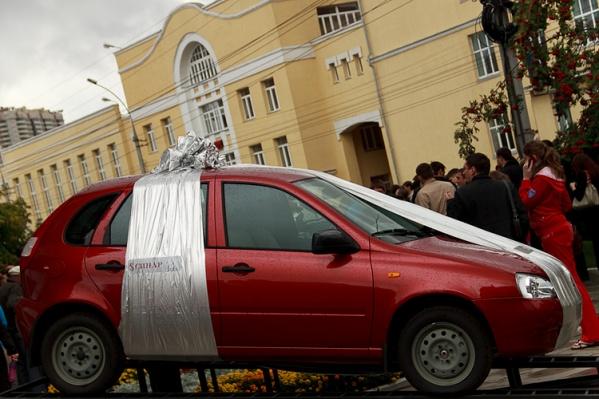 Основная борьба развернулась за автомобиль «Лада Калина»