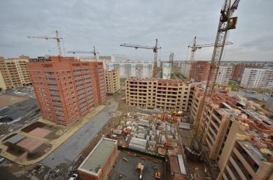 Два других дома по адресу Тюленина, 18/1 и Тюленина, 20 достроены до уровня 7 и 8 этажа.