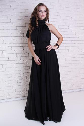 Струящаяся ткань платья