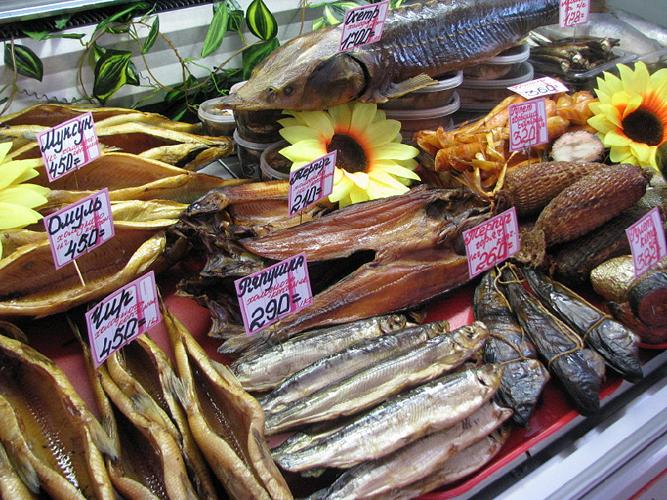 выкладка рыбы на витрине в пивном магазине фото сериала разворачивается
