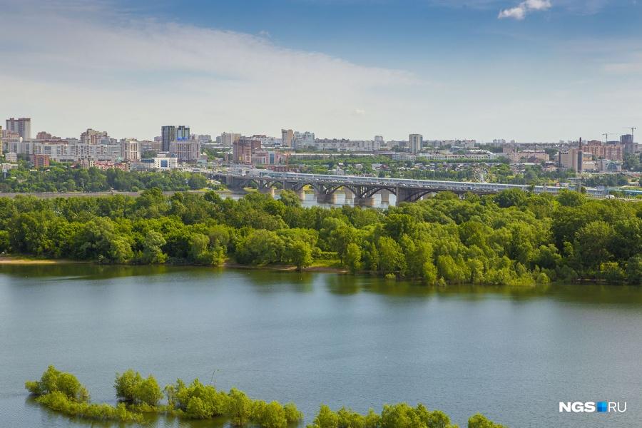 Впрочем, микрорайон «Горский» тоже может похвастаться красивыми видами — из высотных домов на ул. Стартовая открывается красивейшая панорама реки и правого берега Новосибирска.