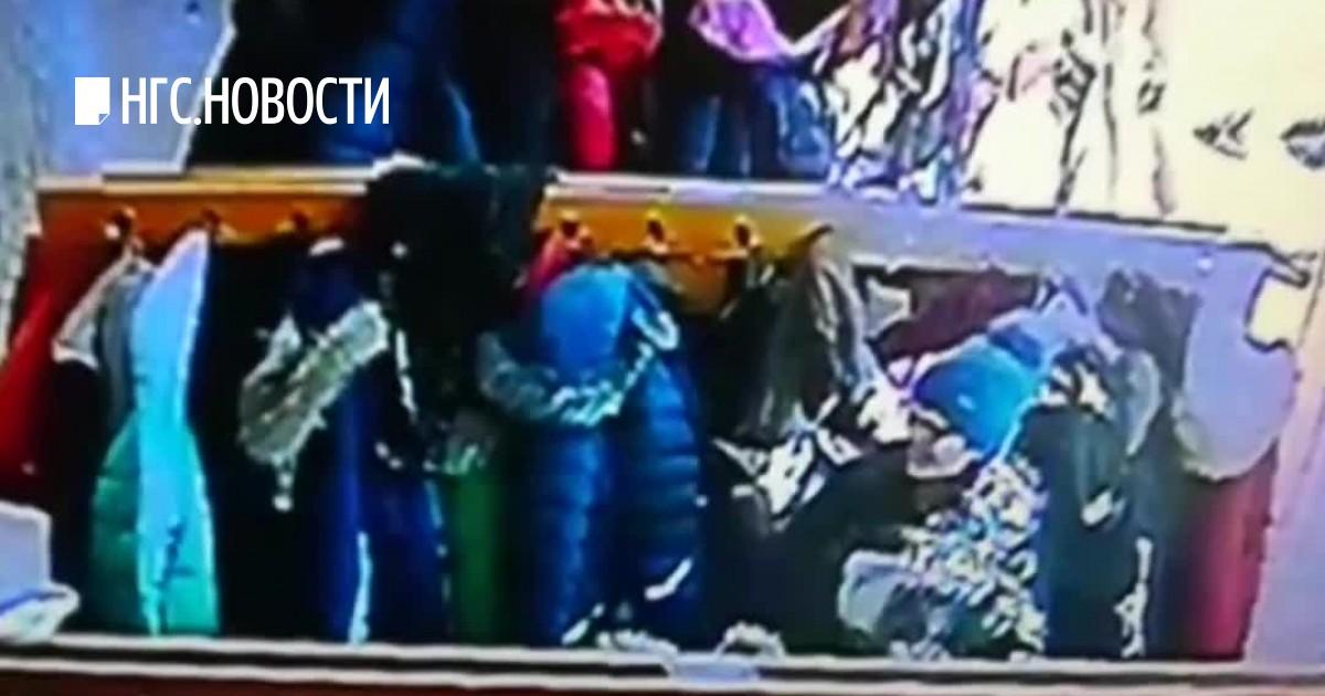 video-snyatie-v-dushevih-sportzalov-paren-ebet-zhenu-seksvayf-video