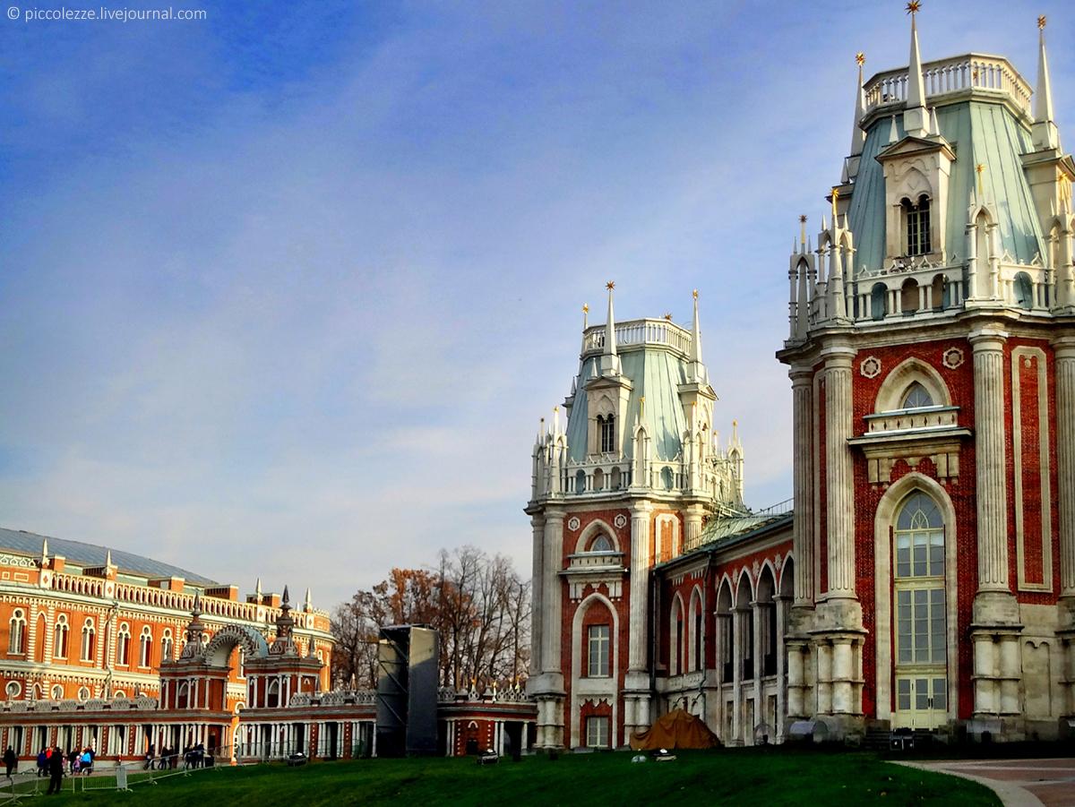 Замок в царицыно москва фото международных рейсах