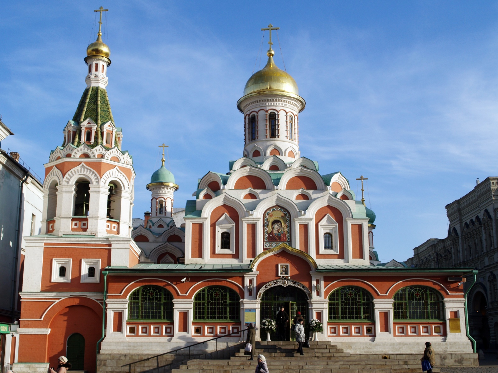 Интересные памятники москвы фото с описанием надгробия санкт петербурга и москвы